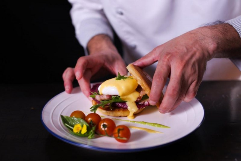 Food.com là trang web nổi tiếng trên thế giới hội tụ hàng nghìn công thức dạy nấu ăn một cách chi tiết.
