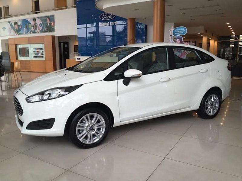 Ford Fiesta Titanium sử dụng số tự động trong phân khúc giá rẻ