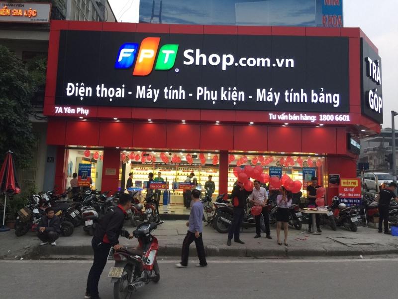 FPT shop ở 7A Yên Phụ.