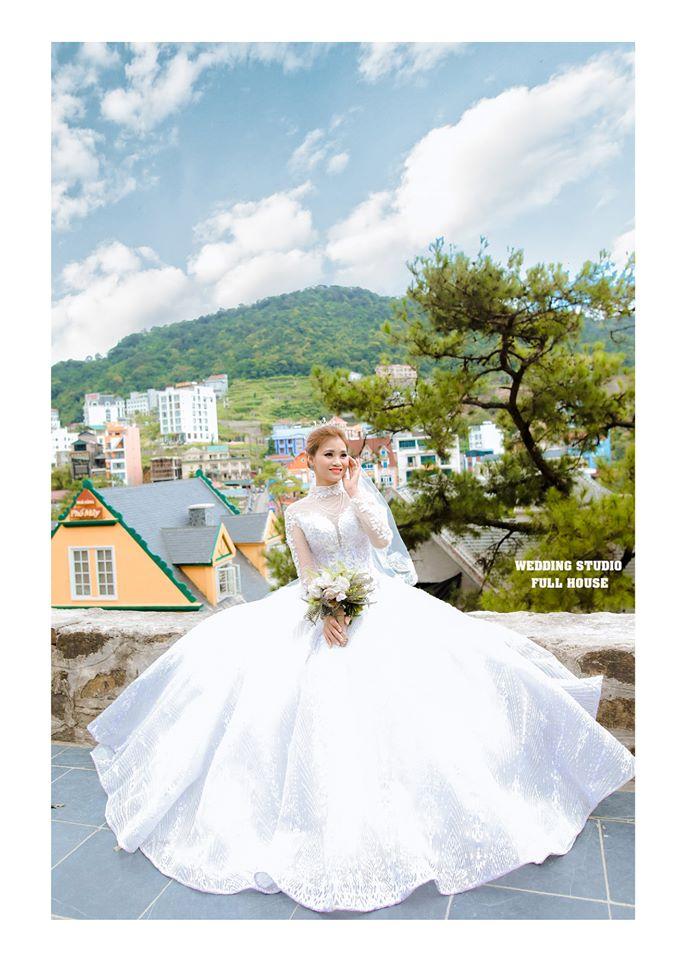 Áo cưới Full House