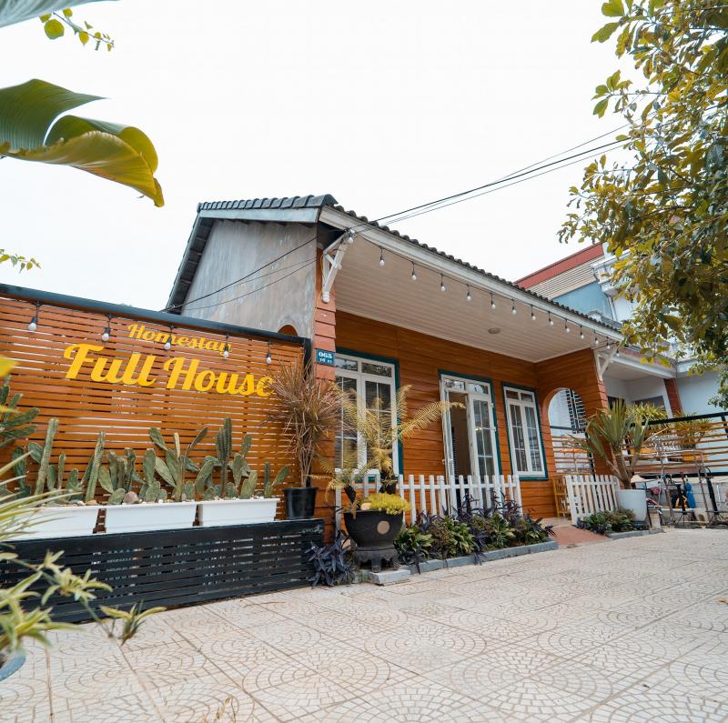 Full House Homestay