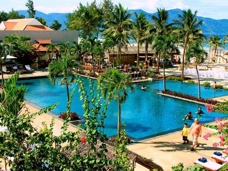 Bể bơi Furama Đà Nẵng