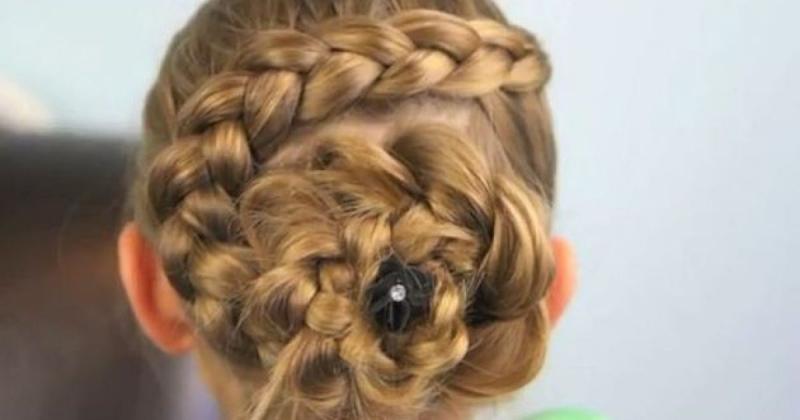 Tết tóc hoa hồng quý phái