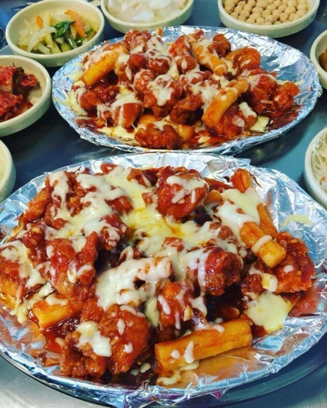 Gà rút xương chua ngọt sốt phô mai - King Dakgalbi