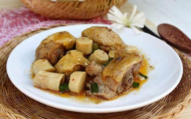 Món ăn được chế biến từ gà ở nhà hàng
