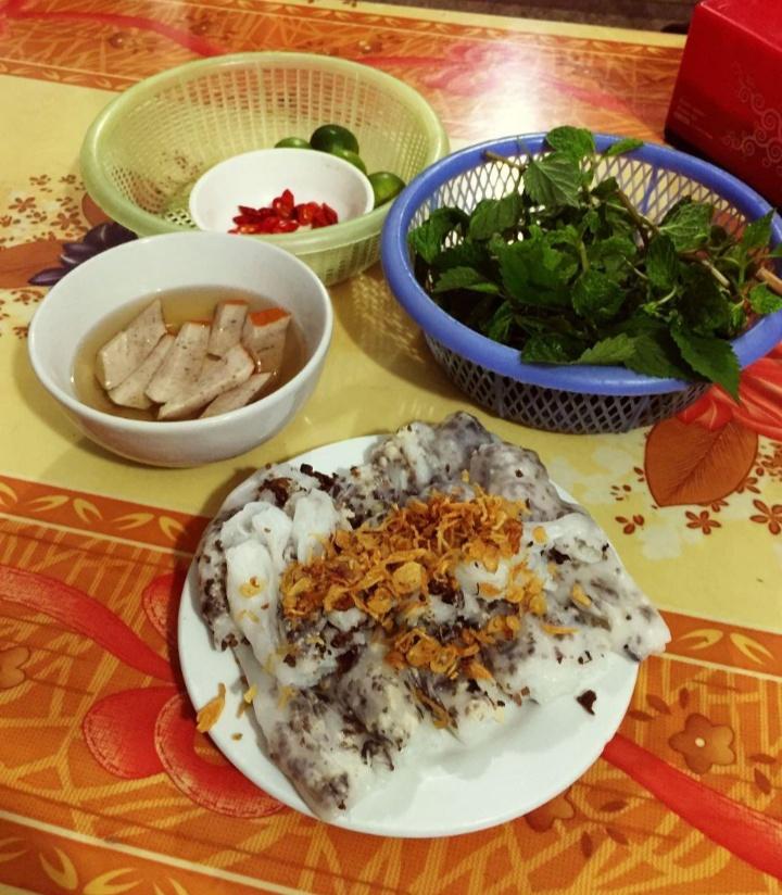 Gà Tần & Bánh cuốn nóng