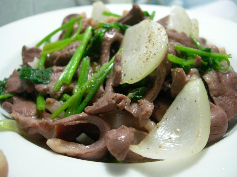Gan heo xào hành tây là món ăn bổ dưỡng