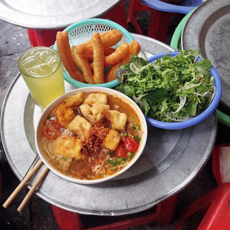 Canh bún Nguyễn Siêu