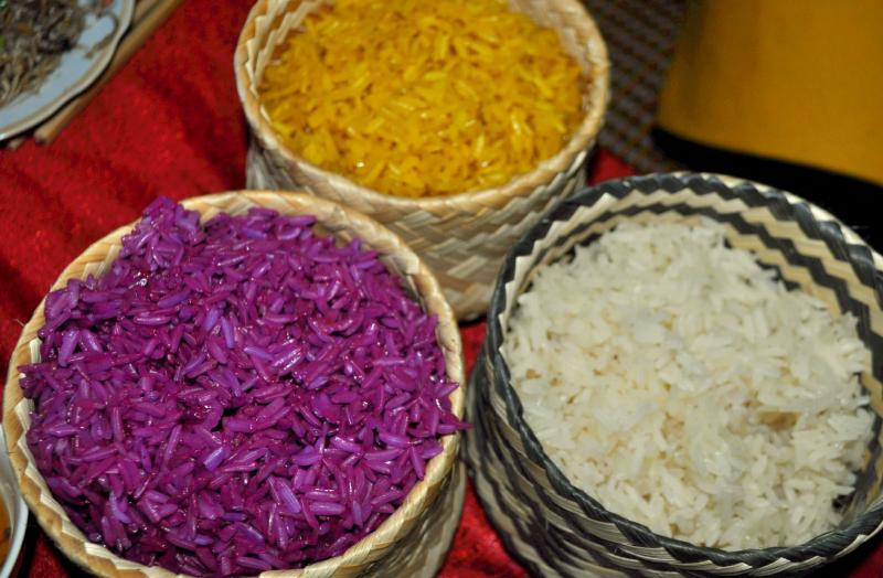 Xôi được nấu từ gạo nếp nương Điện Biên