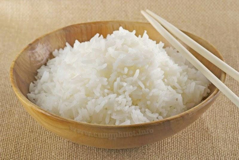 Ăn cơm tám Điện Biên thì bao nhiêu nhọc nhằn, lo âu, phiền muộn dường như tan biến