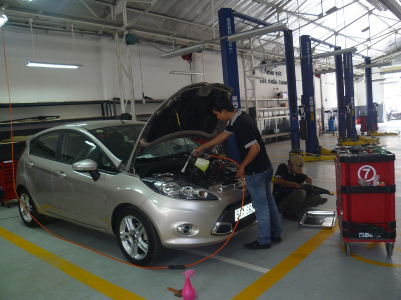 Công ty TNHH sửa chữa ôtô Hùng