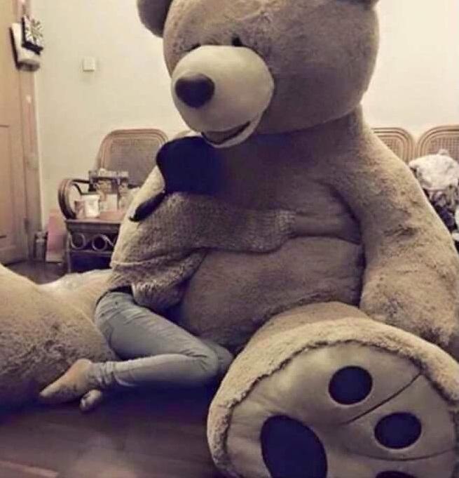 Một chú gấu bông ngộ nghĩnh sẽ là món quà ý nghĩa nhân 8/3 cho các nàng.