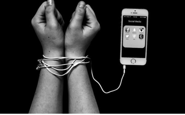 Đa số những người bị mắc bệnh trầm cảm hoặc căng thẳng quá mức đều có liên quan đến việc sử dụng smartphone quá nhiều