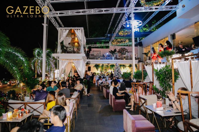 Gazebo Beach Front Lounge & Cafe