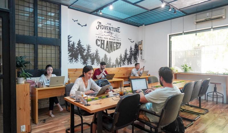 Geek Hub Cafeteria & workspace