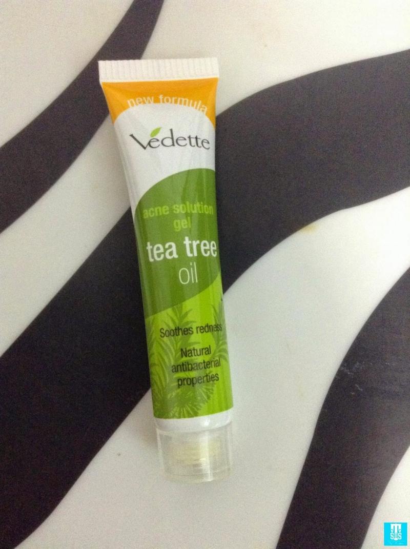 Gel trị mụn Vedette Tea Tree Oil