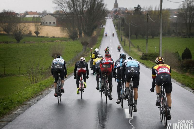 Các tay đua sẽ thi đấu dưới điều kiện thời tiết mưa gió