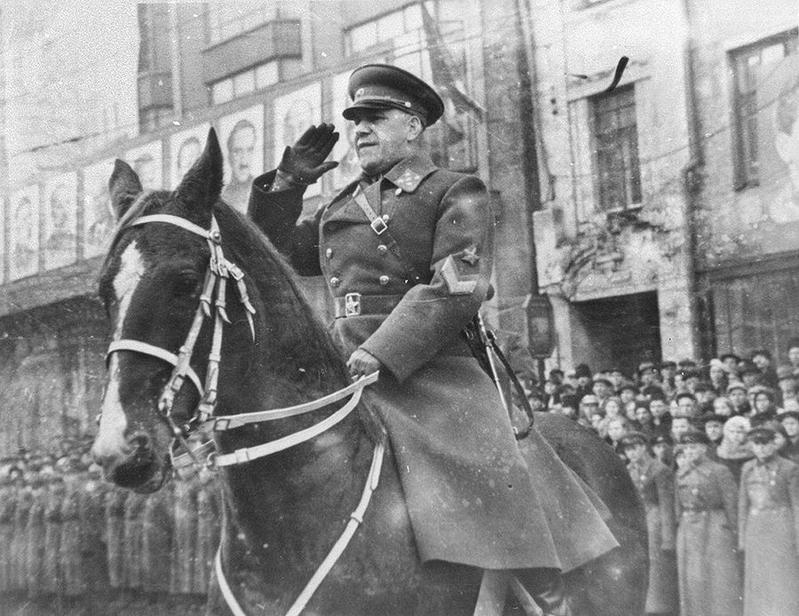 Bộ trưởng quốc phòng Liên Xô Georgi Konstantinovich Zhukov