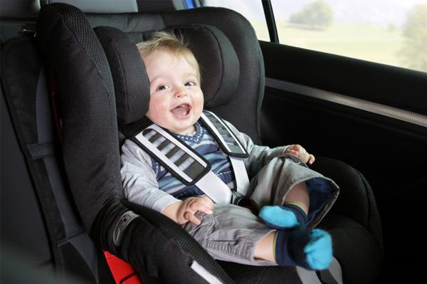 Ghế ngồi ô tô Combi tạo cho bé cảm giác thoải mái nhất