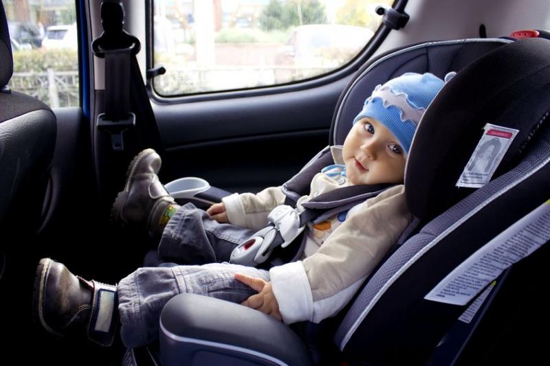 Fedola ghế ngồi an toàn và thoải mái cho bé yêu