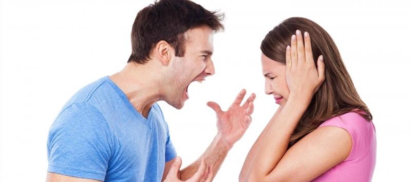 Không nên ghen tuông một cách mù quáng với vợ mình