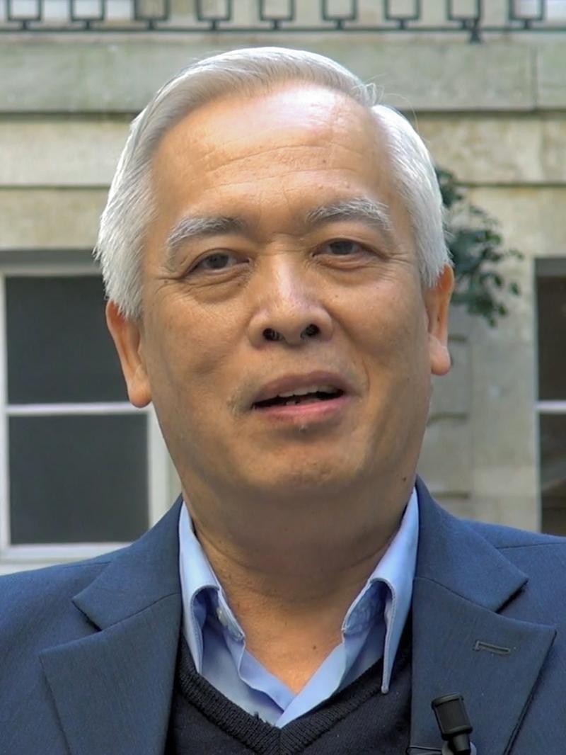 Tác giả Trịnh Xuân Thuận