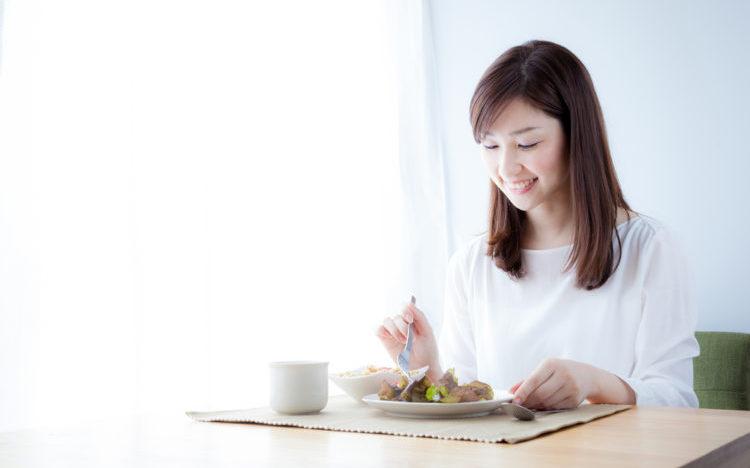 Giảm cân qua việc điều chỉnh khối lượng mỗi bữa ăn