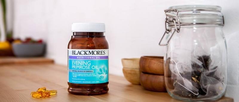 Viên uống tinh dầu hoa Anh Thảo Blackmores evening primrose oil Omega 6 có tác dụng giúp giảm cơn đau mỗi ngày đến tháng