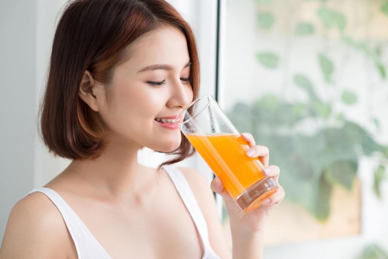 Uống tinh bột nghệ và mật ong giúp giảm lượng cholesterol trong cơ thể