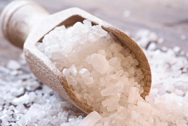 Muối hột là bài thuốc giảm cân vô cùng an toàn.