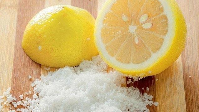 Giảm mỡ bụng bằng muối và chanh