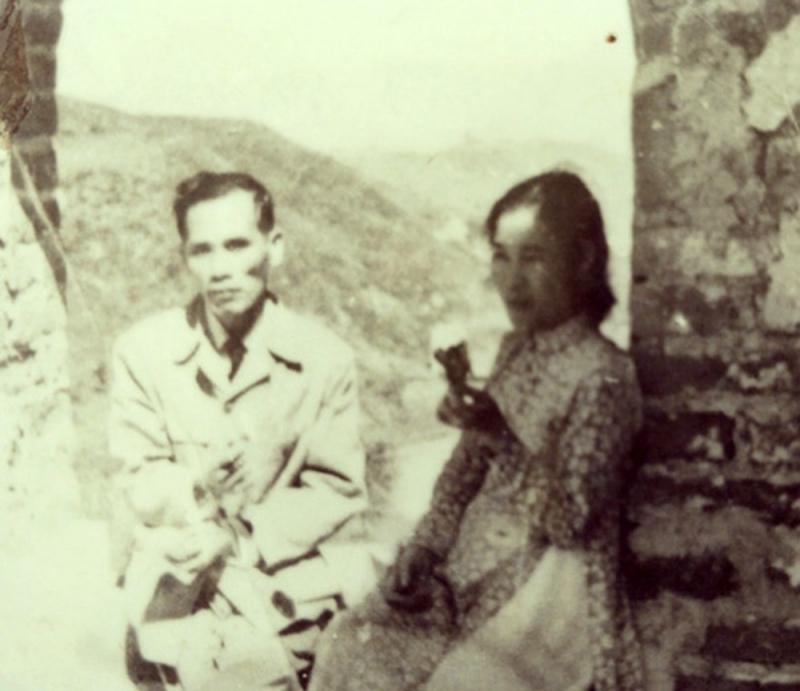 Vợ chồng nhà thơ Lưu Trọng Lư