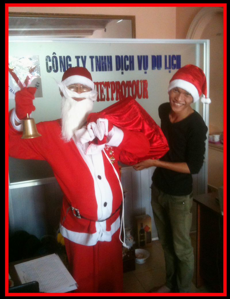 Noel đã đến, các Bé đang mong chờ một ngày sẽ được ông già Noel đến trao cho mình món quà mà mình mong đợi
