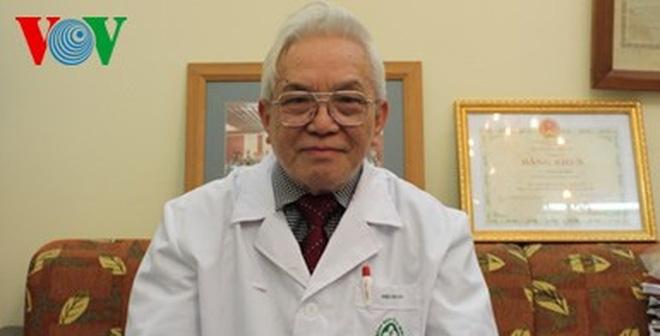 Giáo sư Phạm Gia Khải - người thầy tài giỏi của nhiều thế hệ bác sĩ tim mạch trẻ.