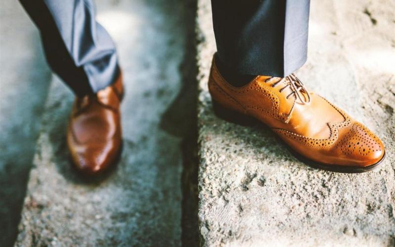 Giày Brogue với những họa tiết đục lỗ ấn tượng