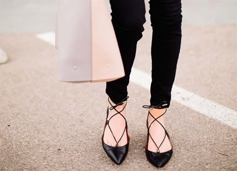 Điệu đà, nhẹ nhàng và thoải mái, kiểu giày này sẽ khiến các nàng mê tít.