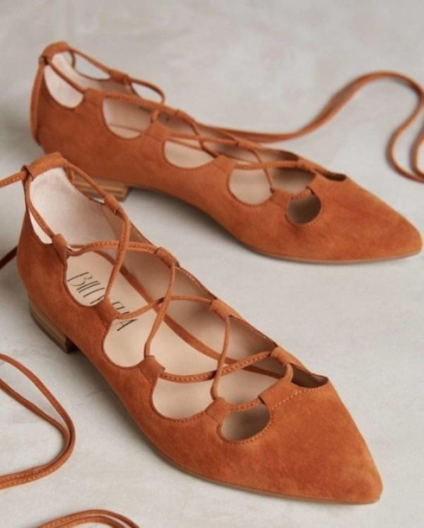 Chắc hẳn các tín đồ của giày búp bê không thể thiếu một đôi kiểu này trong tủ giày của mình.