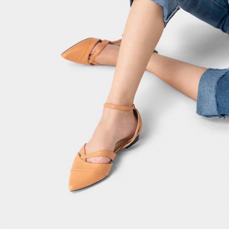 Giày búp bê cut - out