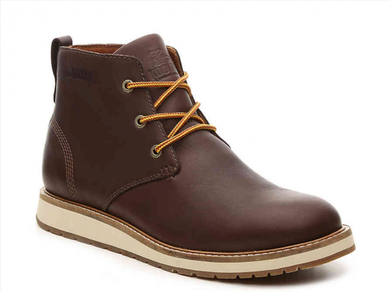 Giày Chukka boots được làm bằng da cao cấp