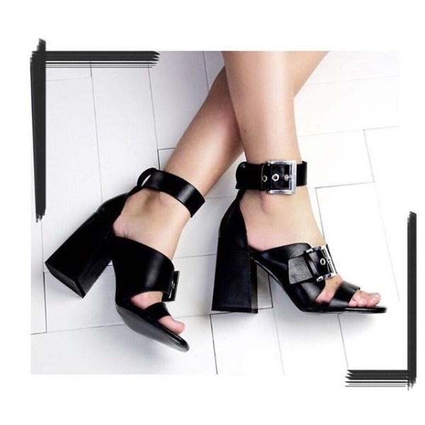 Đây cũng là một mẫu giày được các tín đồ thời trang cực yêu thích.
