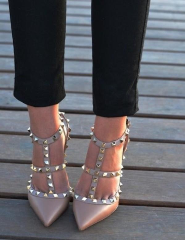 Dễ dàng phối đồ cũng là một ưu điểm của mẫu giày này.