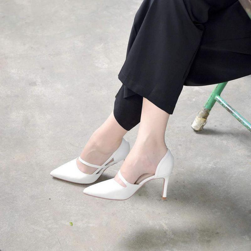 Giày Store luôn bắt kịp xu hướng thời trang mới nhất để đem về những mẫu mã giày đa dạng về phong cách