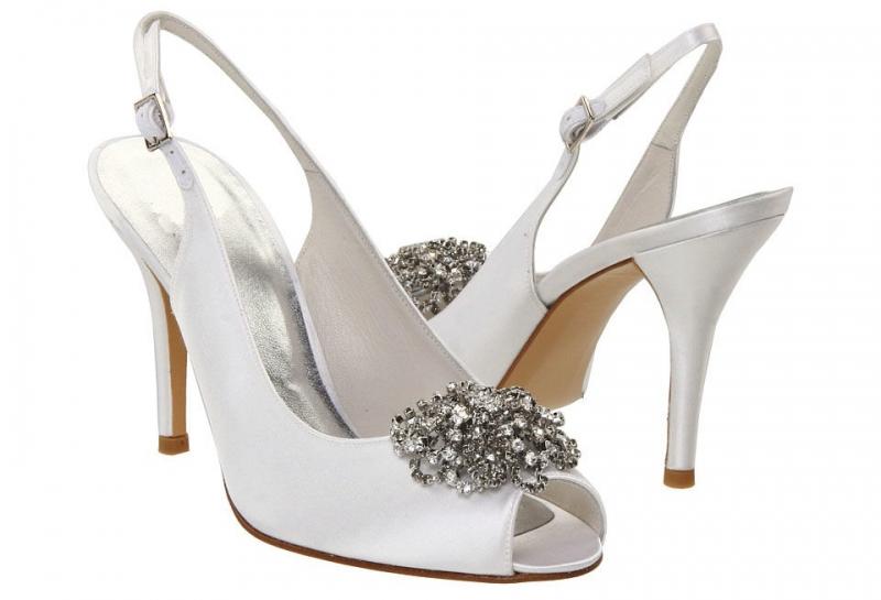 Stuart Weitzman là một trong những thương hiệu giày Gucci