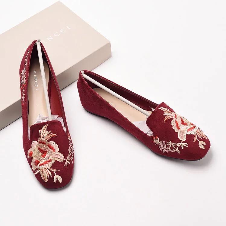 Giày thêu Vincci