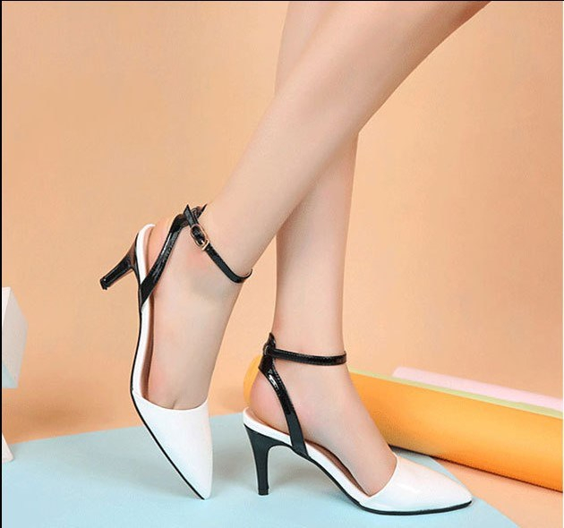 Đôi giày gót nhọn-vũ khí lợi hại của phái nữ