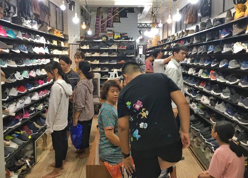 Top 8 Shop giày có lượng like khủng trên Facebook
