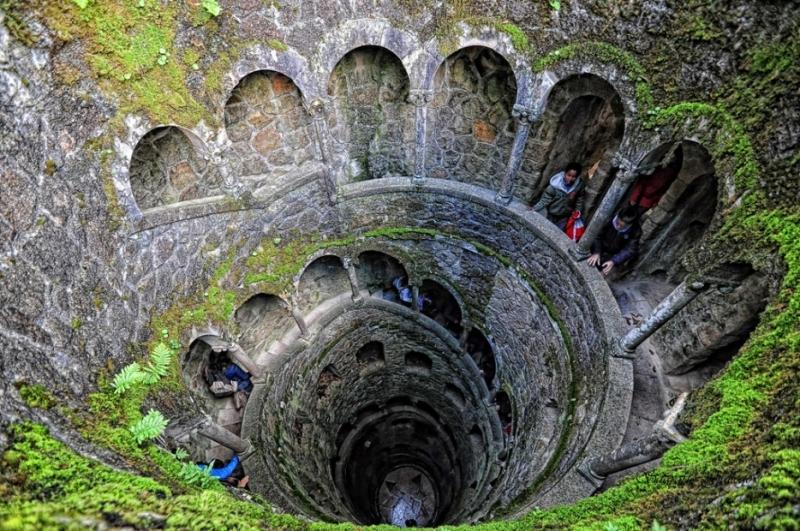 Giếng cổ lâu đài Quinta da Regaleira, Sintra ở Bồ Đào Nha