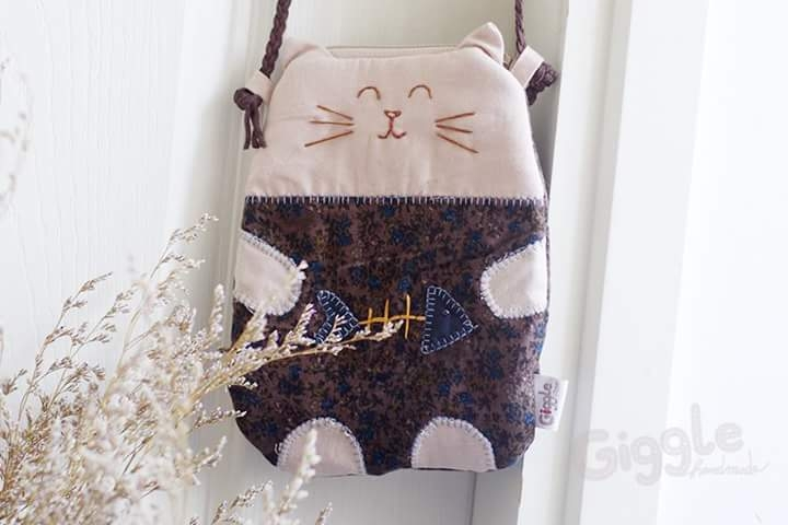 Túi đeo chéo handmade hình mèo