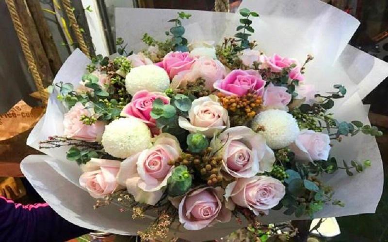Hoa ở Gigi rực rỡ, màu sắc và mức giá hợp túi tiền