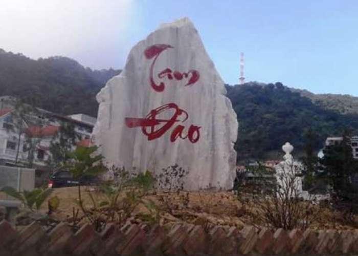 Nằm cách Hà Nội khoảng 80km thuộc tỉnh Vĩnh Phúc